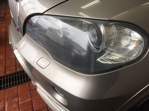 BMW X5 ヘッドライトポリッシュ コーティング前