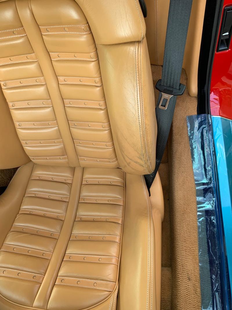 フェラーリ360 スパイダー シート補修前
