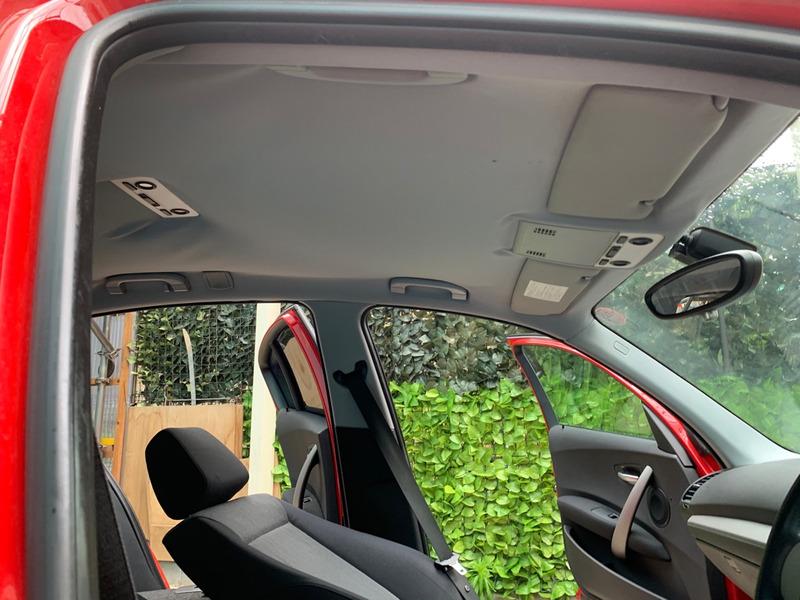 BMW 1シリーズ 天井の剥がれ・垂れ