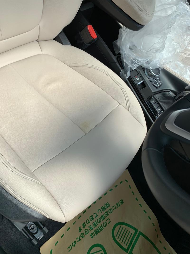 BMWX1 シートの剥がれ