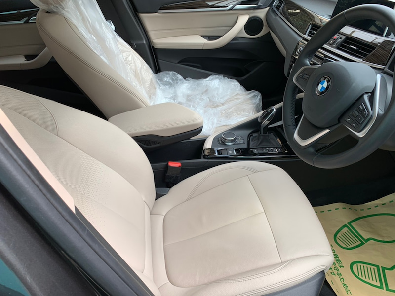 BMWX1 シートのハゲ補修後