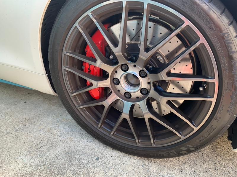 メルセデスベンツ GT ホイールのガリ傷