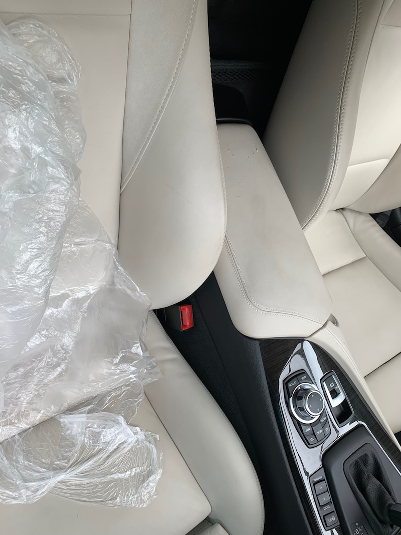 BMW Z4 センターコンソール補修・塗装後