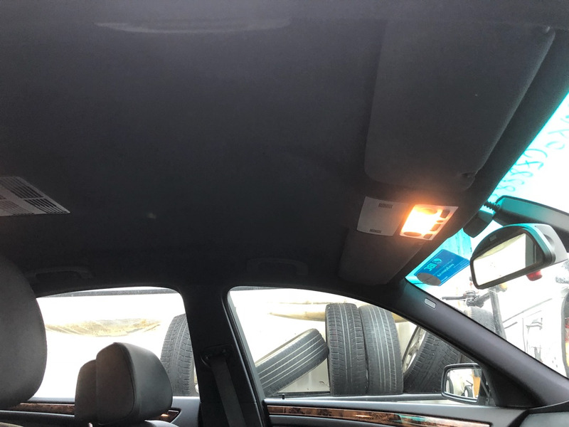 BMW 525 天井張り替え後
